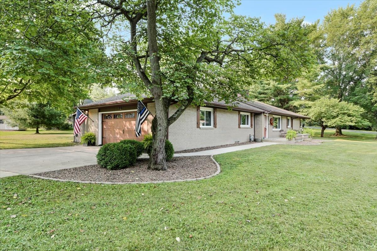 1903 Forestview Drive, Mahomet, IL 61853 - #: 11169157