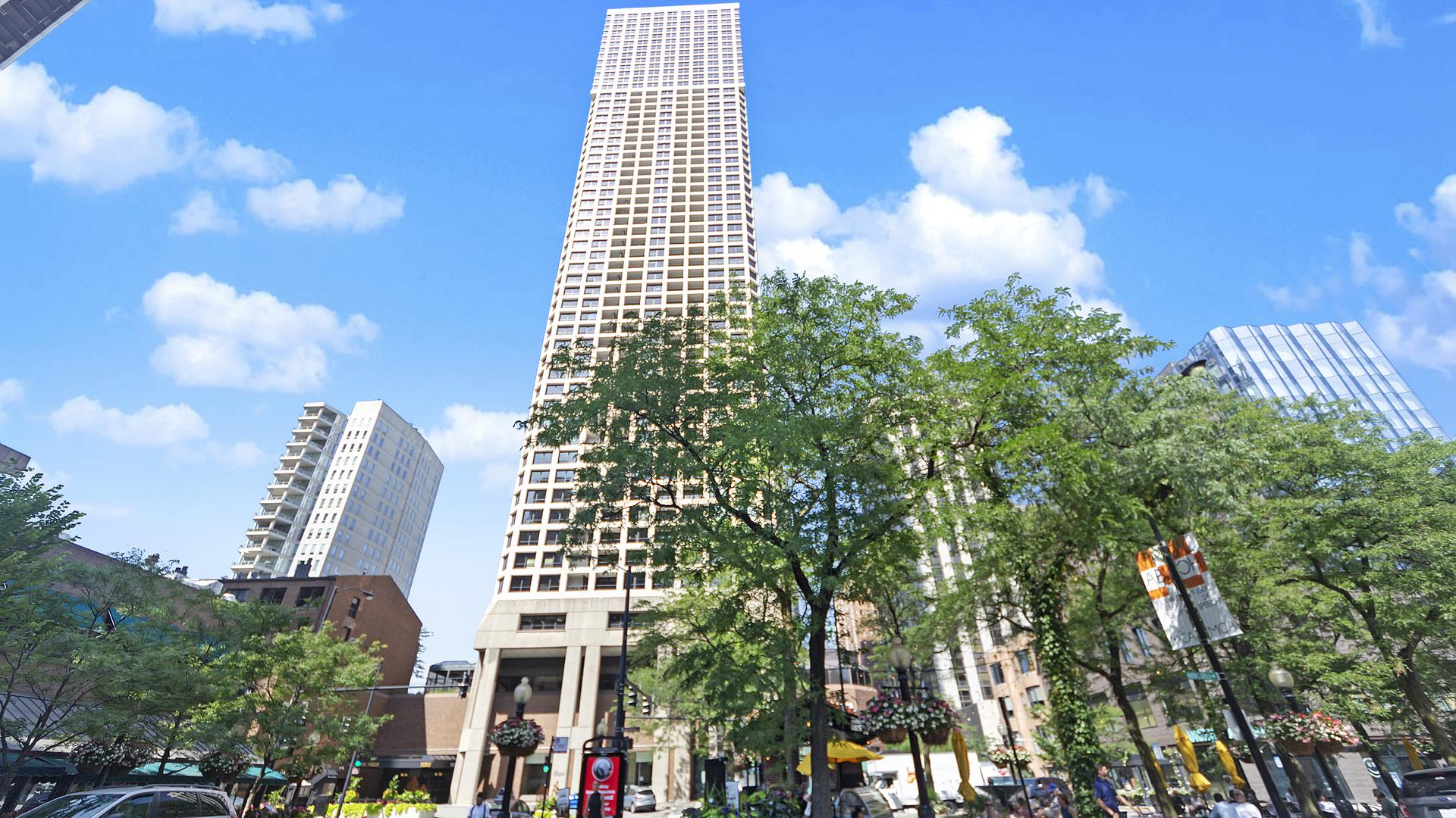 1030 N State Street #48E, Chicago, IL 60610 - #: 10771161