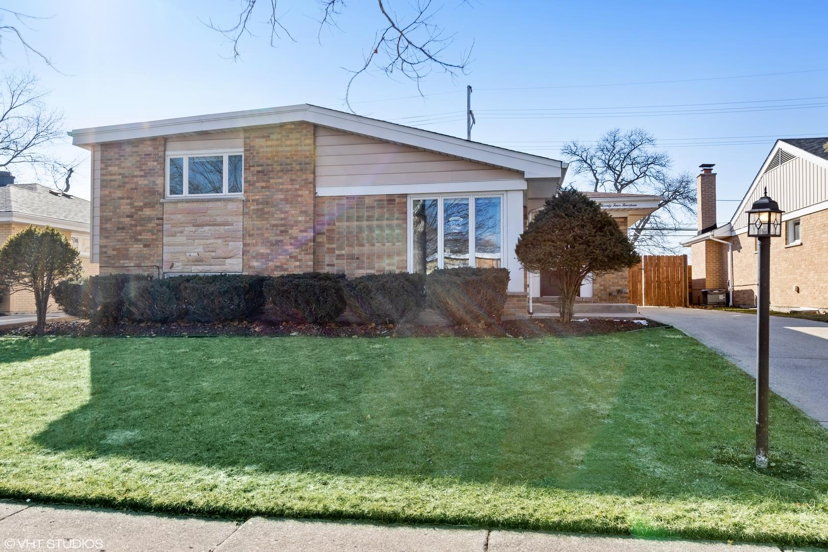 2414 W Martindale Drive, Westchester, IL 60154 - #: 11009161