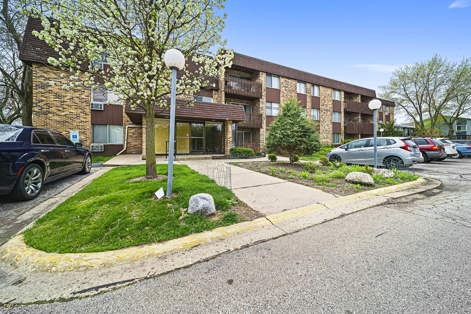 940 E Old Willow Road #111, Prospect Heights, IL 60070 - #: 10708162