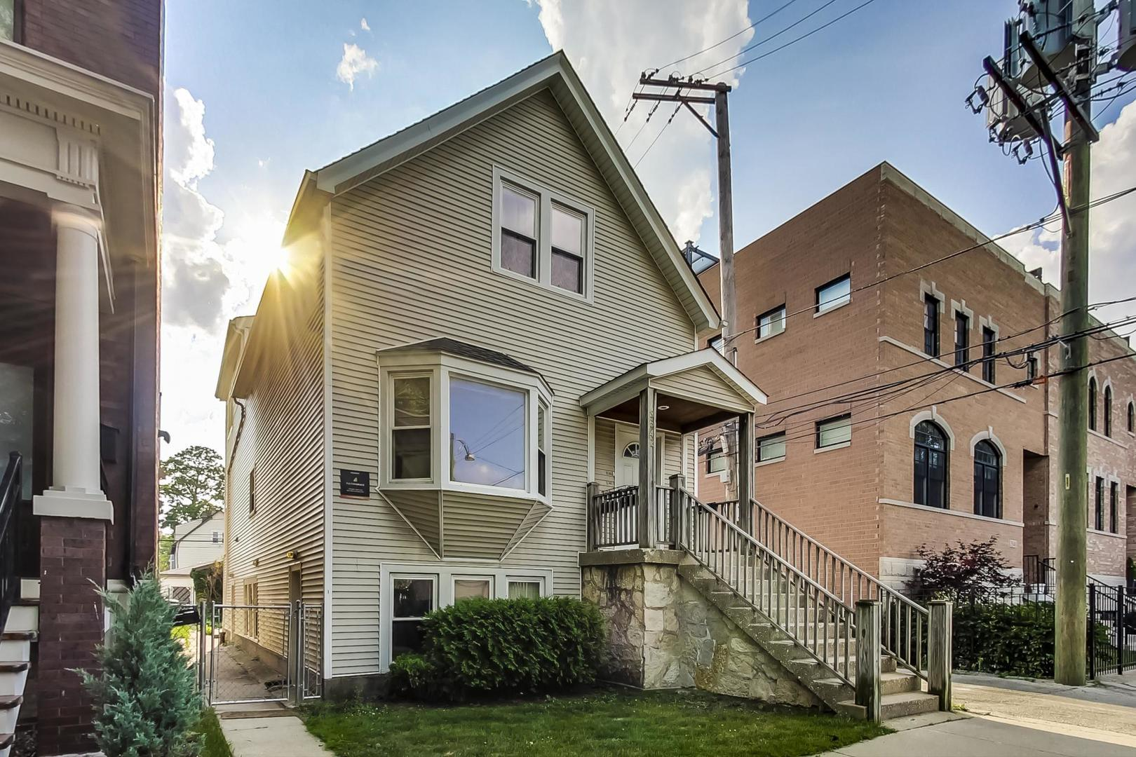 3542 N Hoyne Avenue, Chicago, IL 60618 - #: 10784165