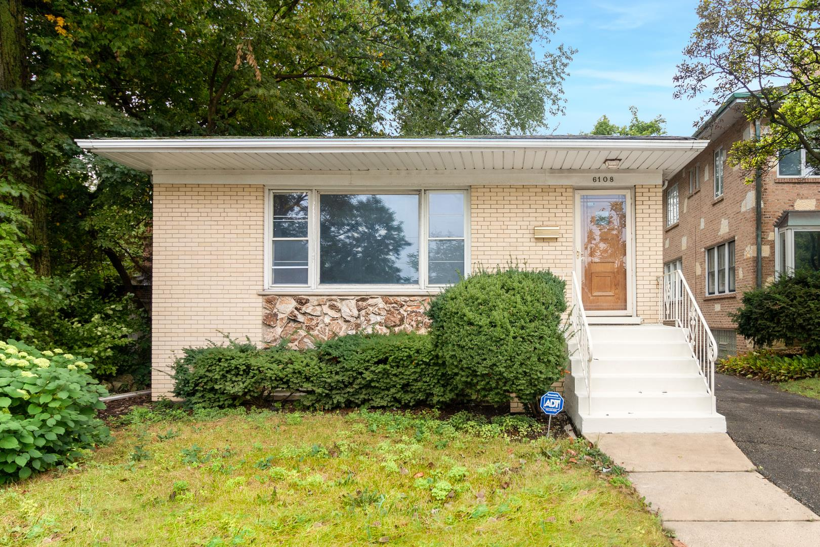 6108 N Caldwell Avenue, Chicago, IL 60646 - #: 10859169