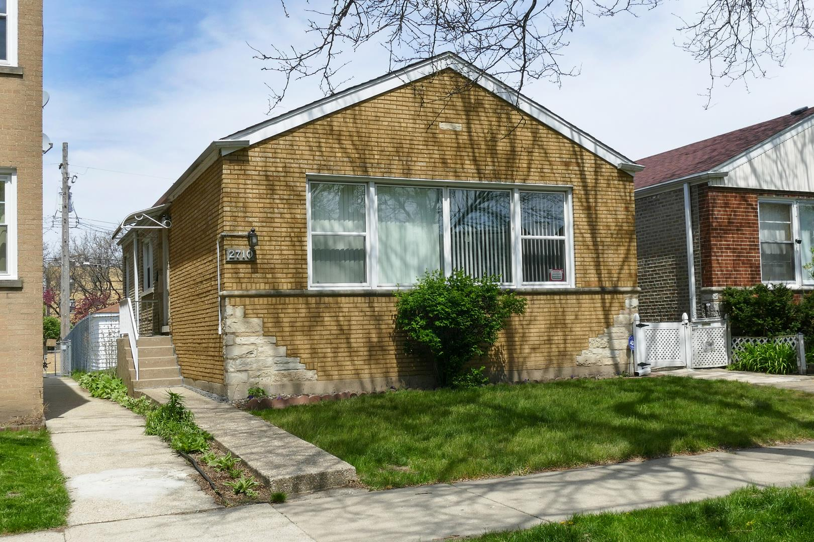 2710 W Berwyn Avenue, Chicago, IL 60625 - #: 11071175