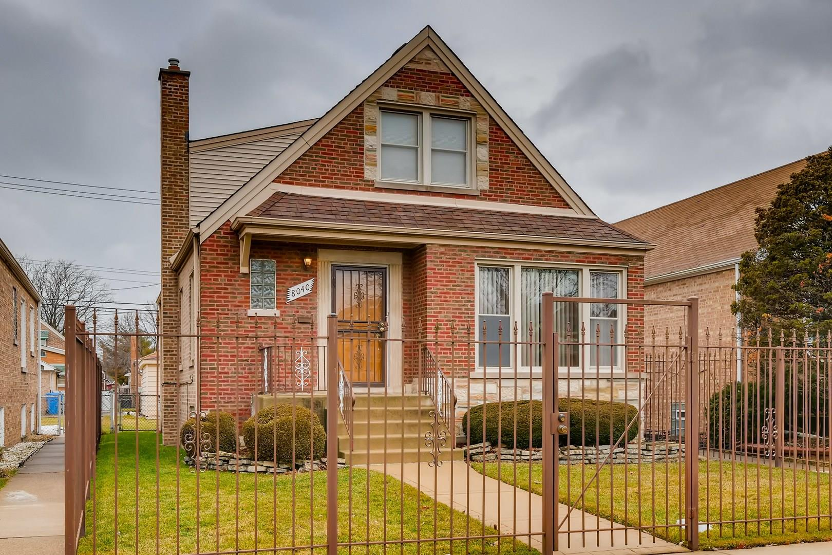 8040 S Sawyer Avenue, Chicago, IL 60652 - #: 10973176