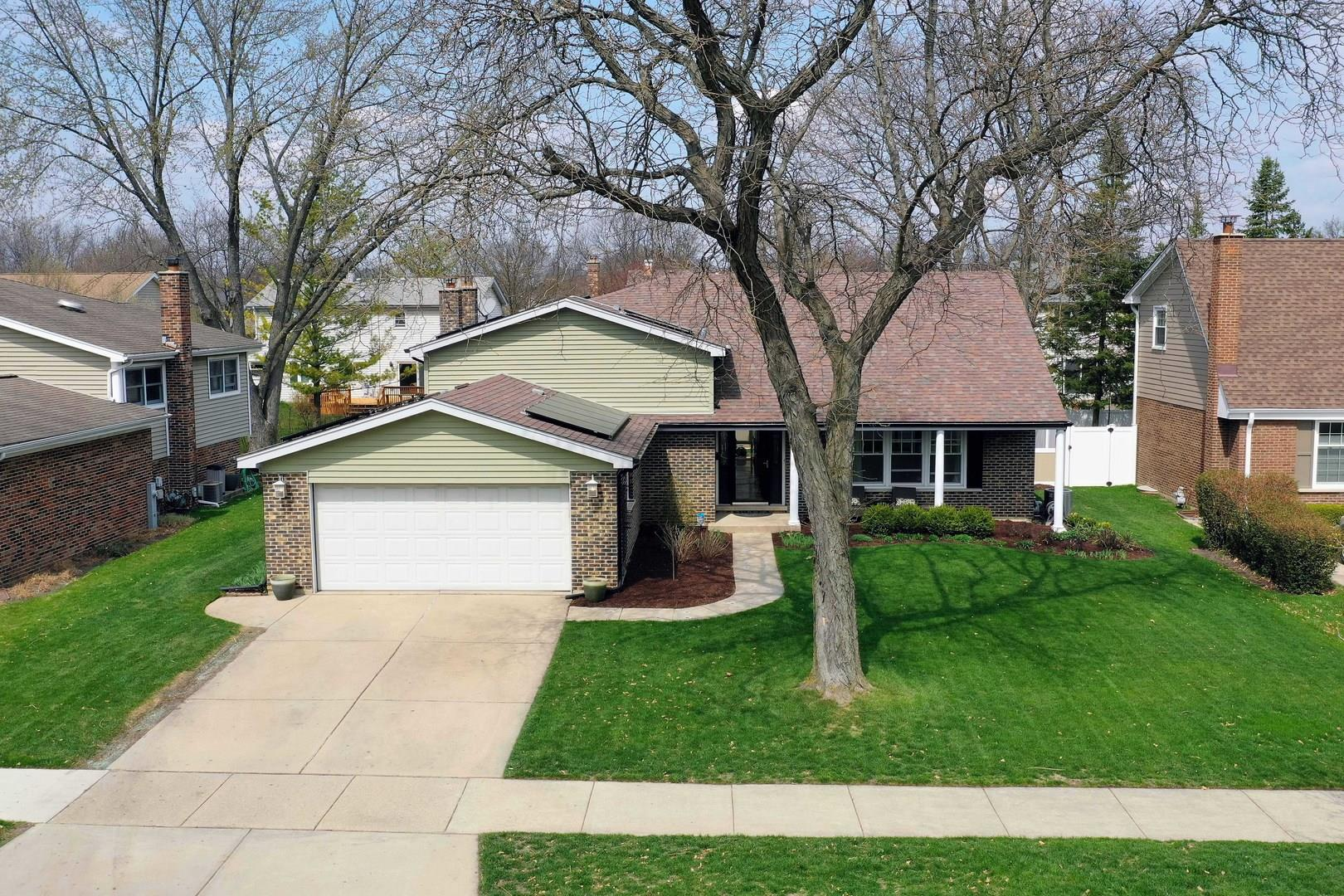 610 E WAVERLY Drive, Arlington Heights, IL 60004 - #: 11048177