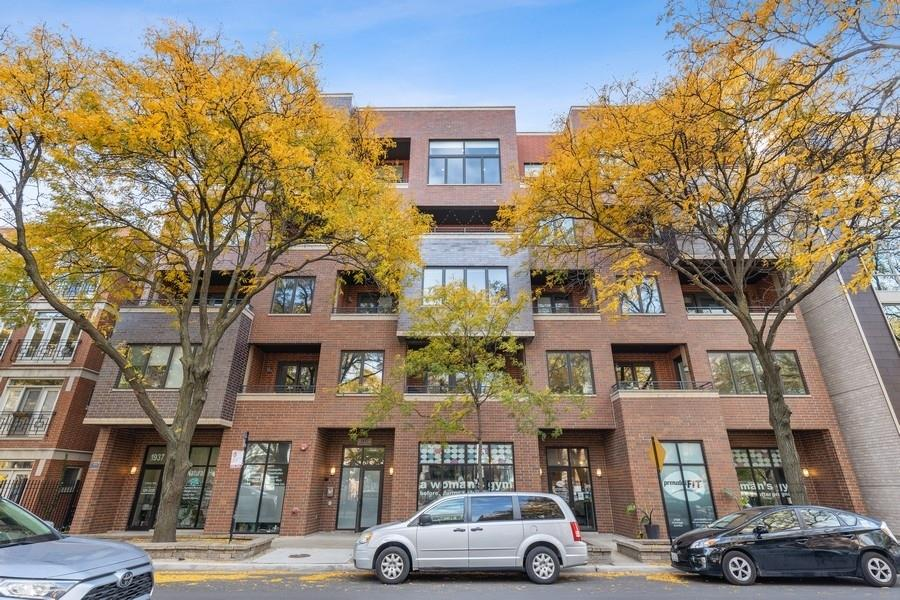 1937 W Diversey Avenue #2B, Chicago, IL 60614 - #: 10911179