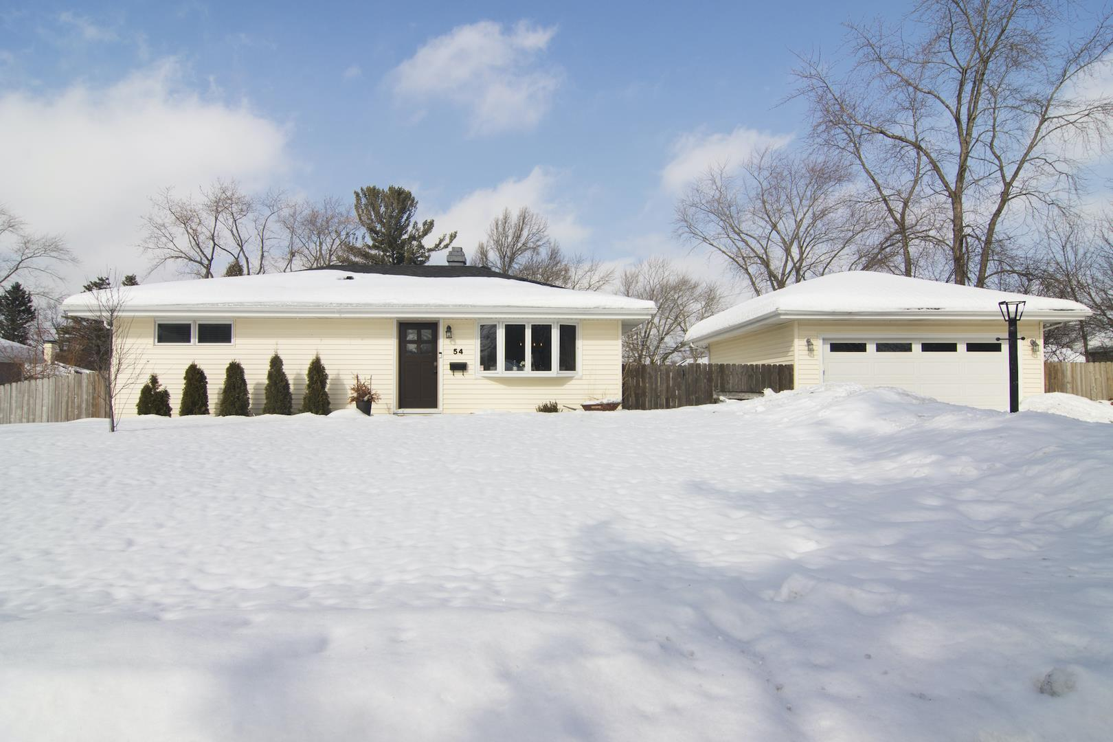 54 Golfview Road, Lake Zurich, IL 60047 - #: 11000179