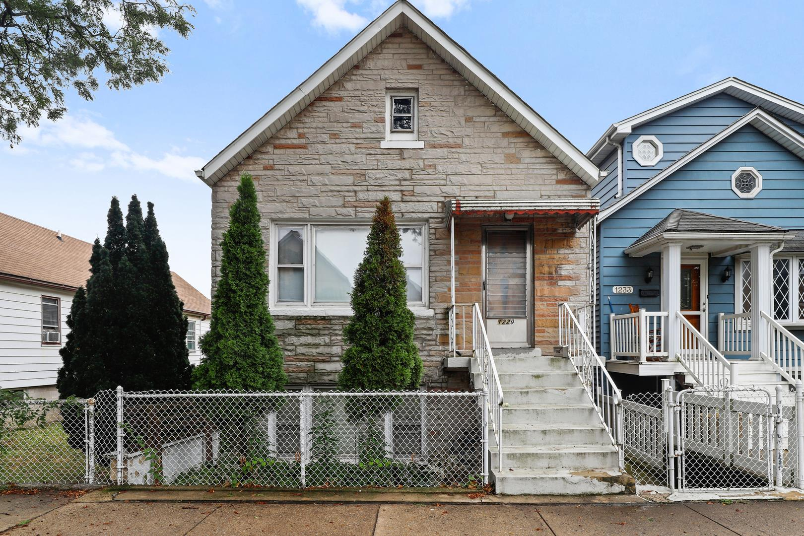 1229 W 32nd Place, Chicago, IL 60608 - #: 10783194