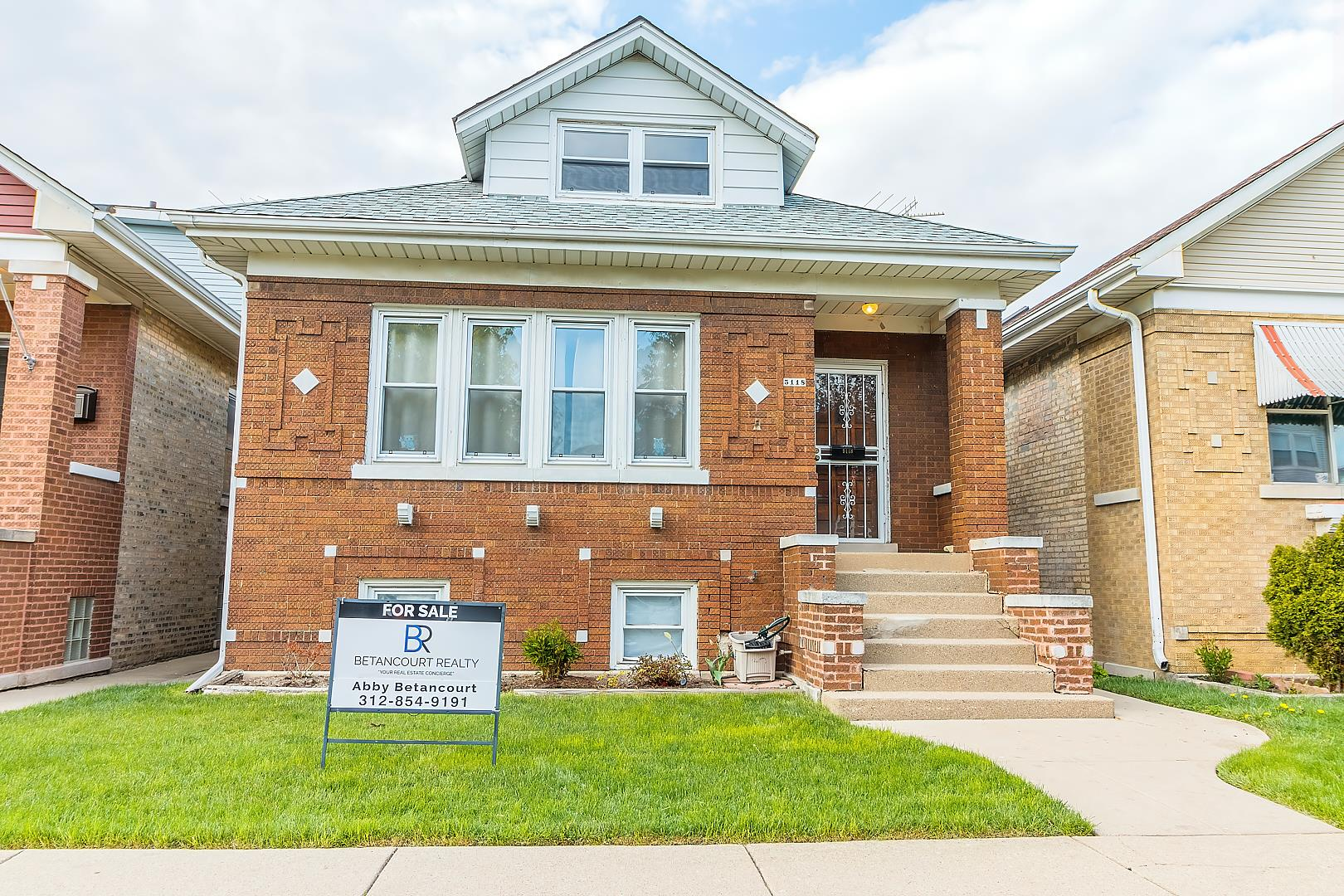 5118 W Barry Avenue, Chicago, IL 60641 - #: 10840202