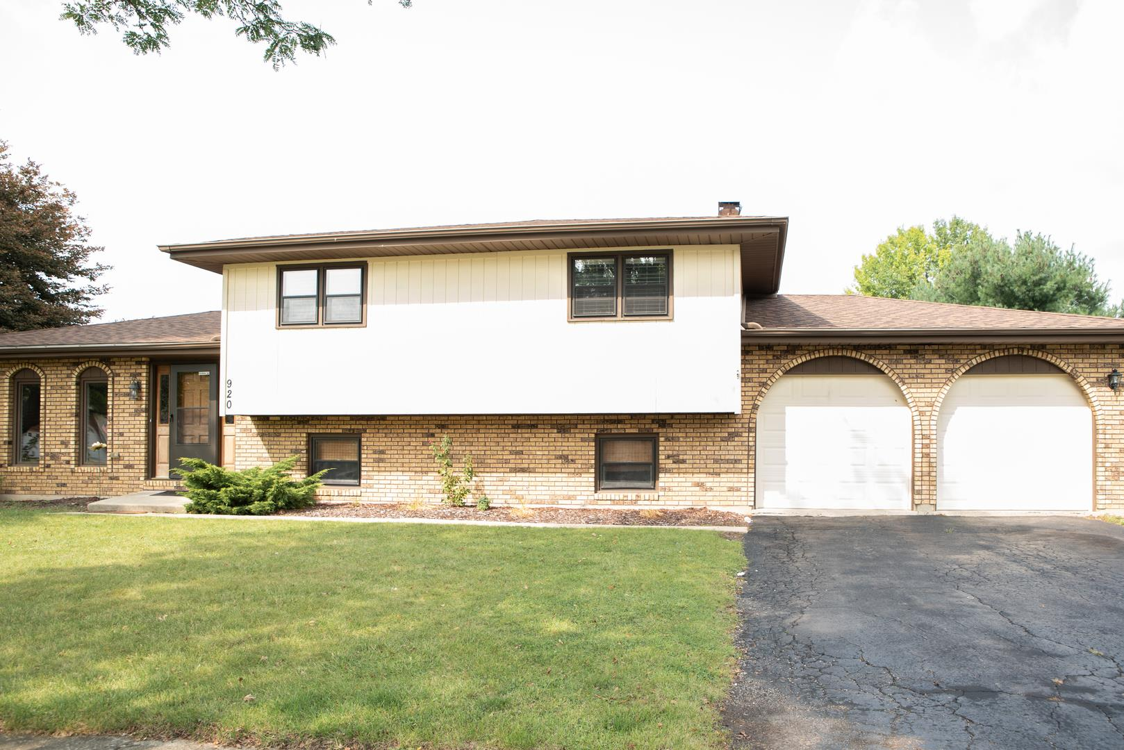 920 RAINBOW Terrace, South Elgin, IL 60177 - #: 10931202