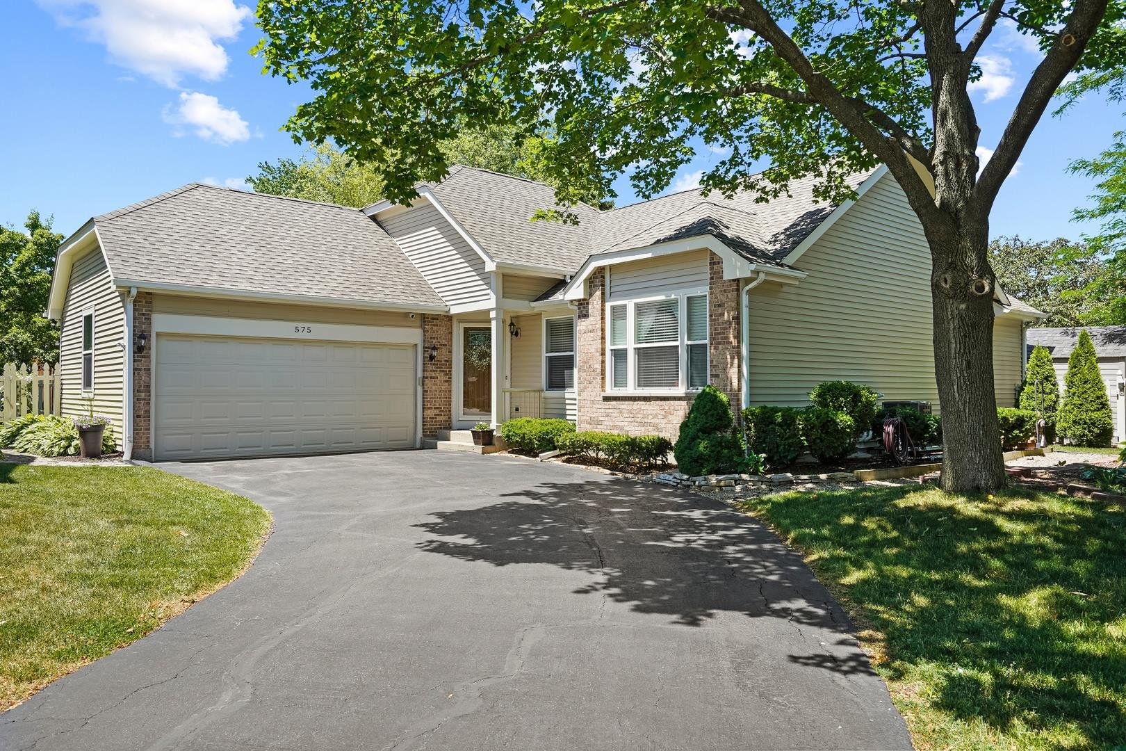 575 CRYSTAL SPRINGS Court, Lake Zurich, IL 60047 - #: 11179227