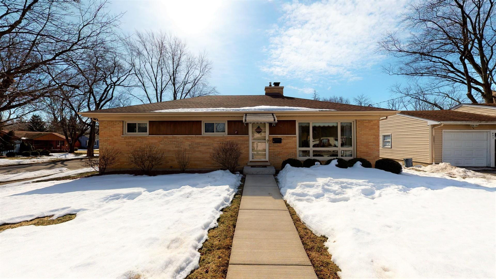 489 W Crystal Lake Avenue, Crystal Lake, IL 60014 - #: 11013233