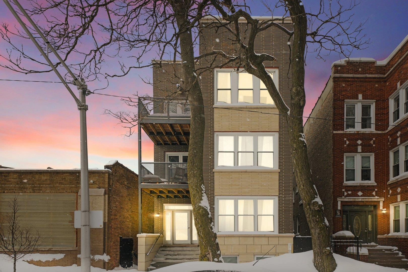2052 N Campbell Avenue #1W, Chicago, IL 60647 - #: 11001240