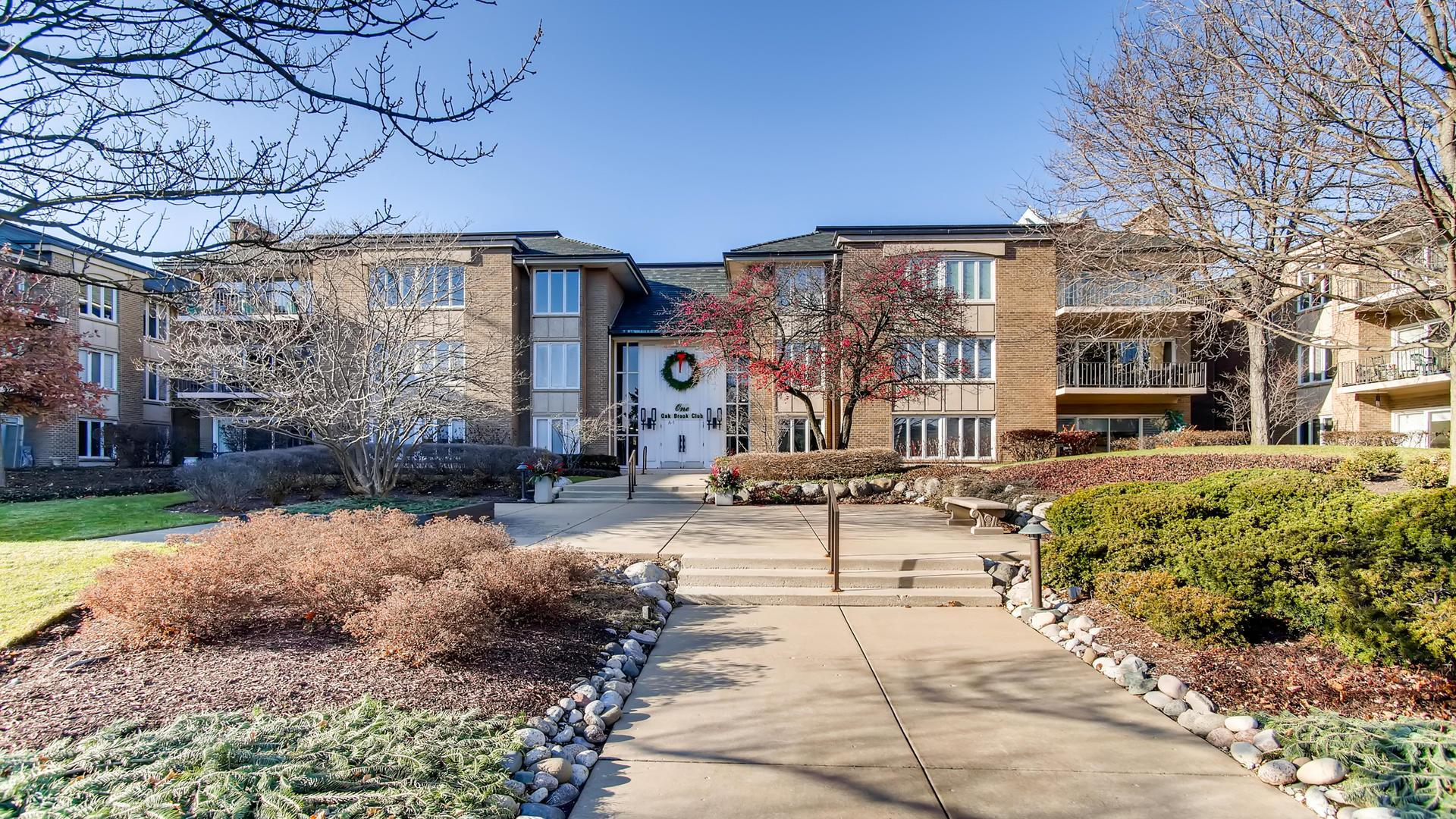 1 Oak Brook Club Drive #A308, Oak Brook, IL 60523 - #: 10605249