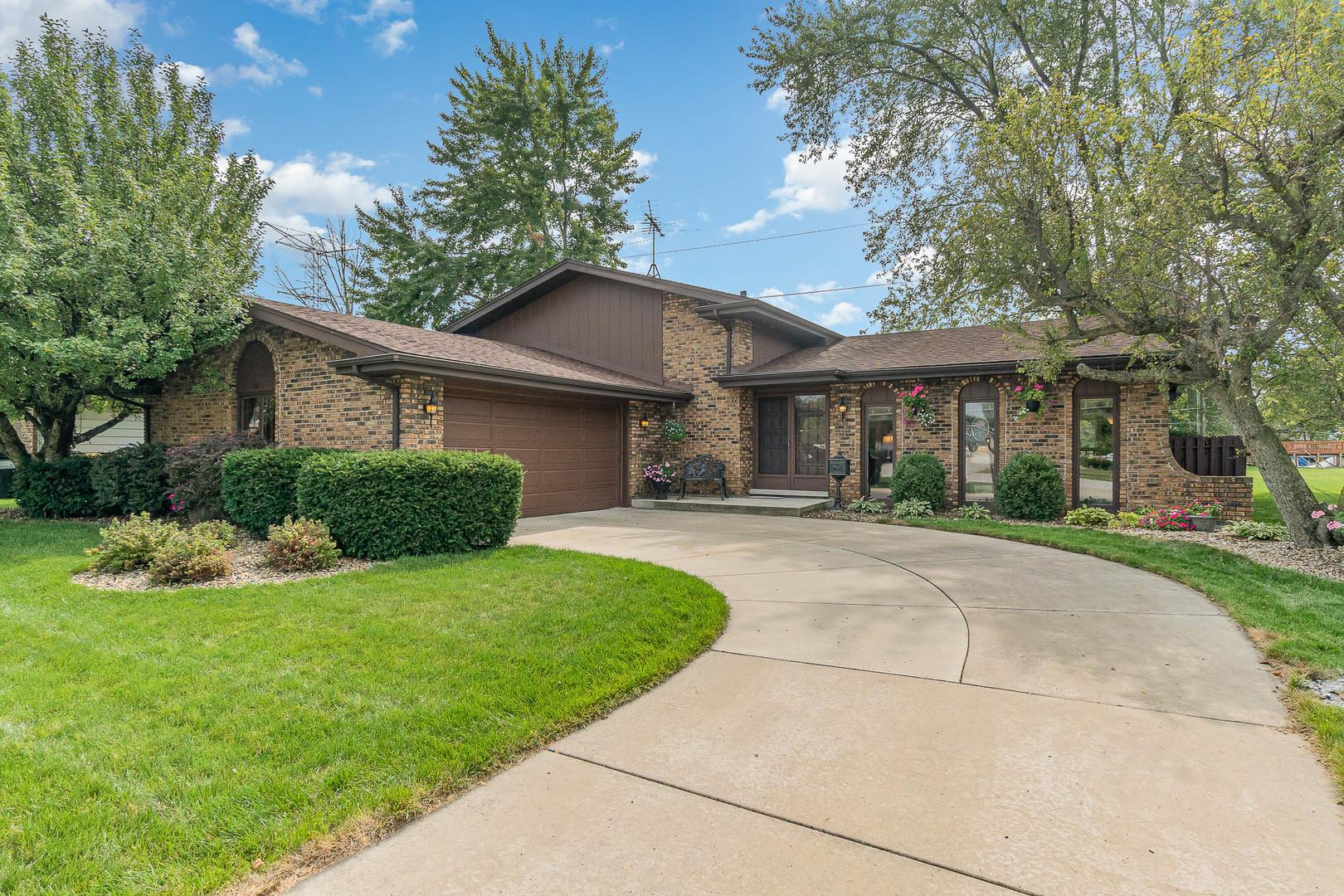 3419 S Manor Drive, Lansing, IL 60438 - #: 10858252