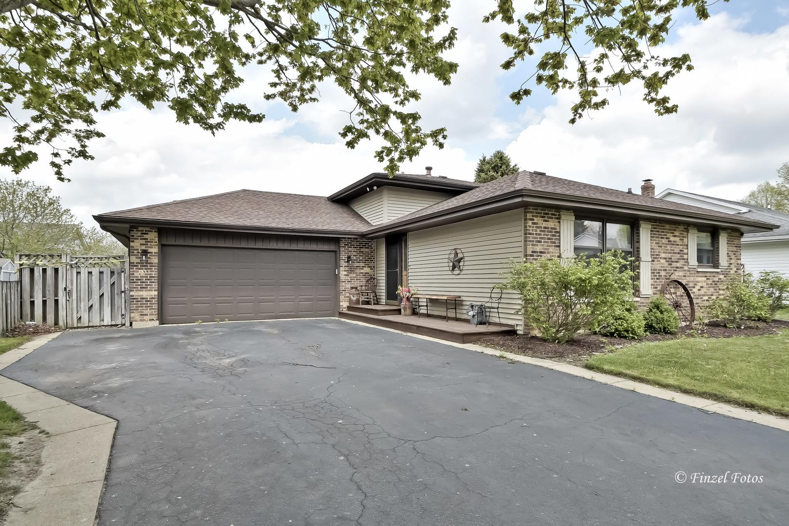 274 Terry Court, Woodstock, IL 60098 - #: 11077253