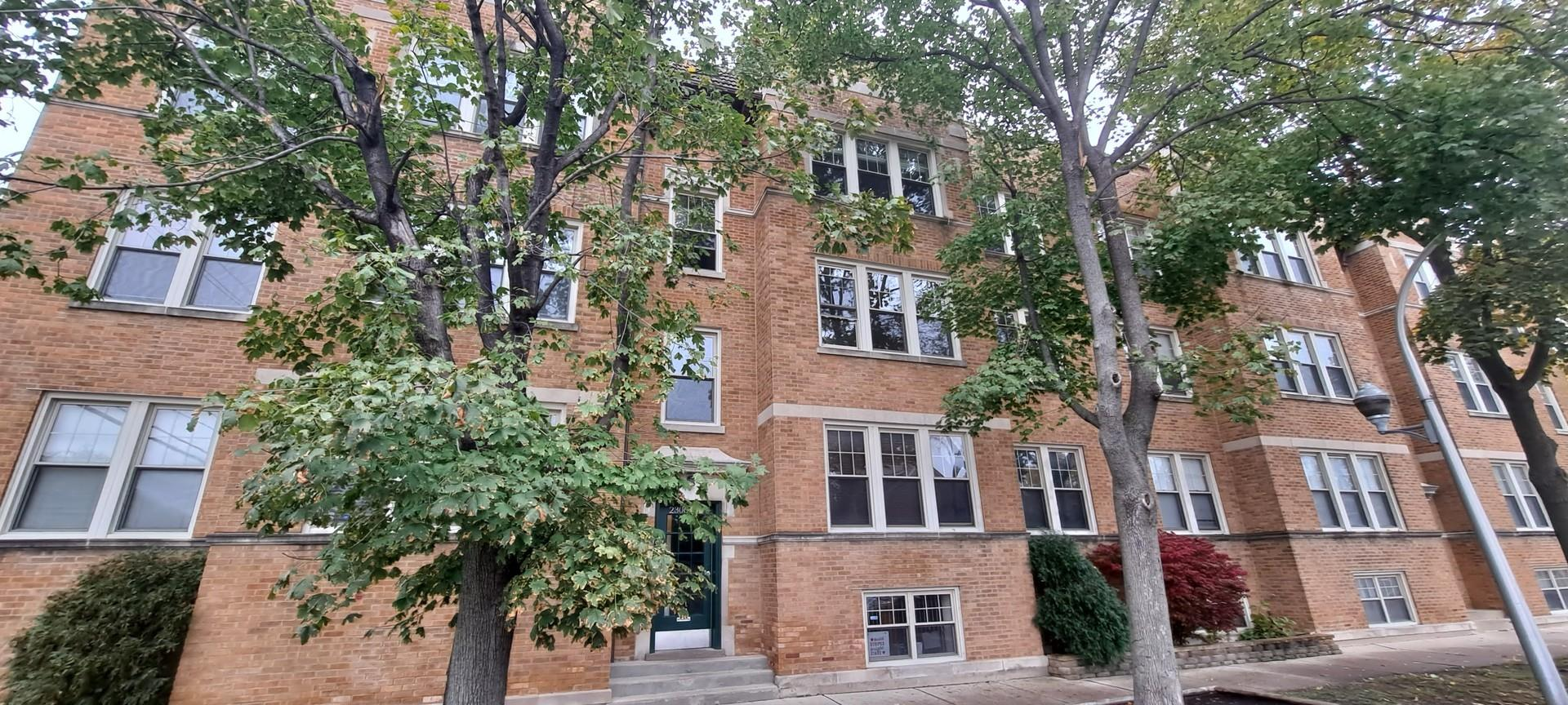 2304 W Jarvis Avenue #2, Chicago, IL 60645 - #: 10924258