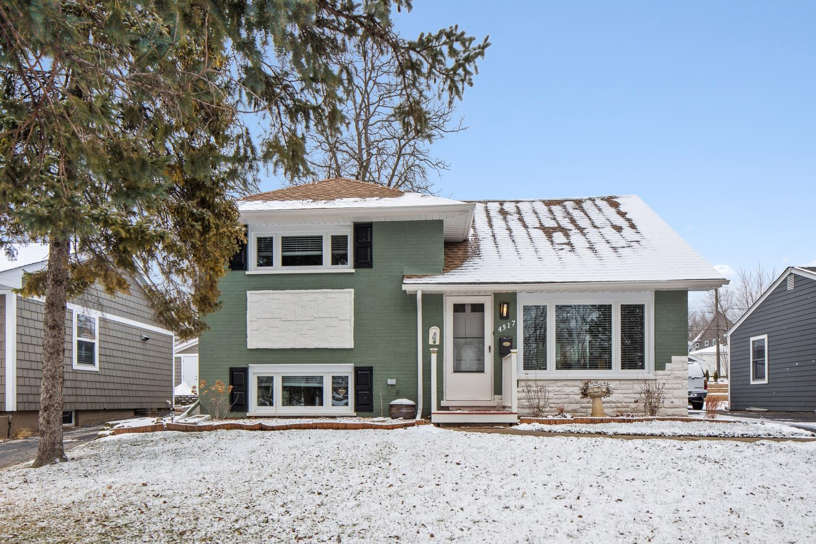 4517 Pershing Avenue, Downers Grove, IL 60515 - #: 10972262