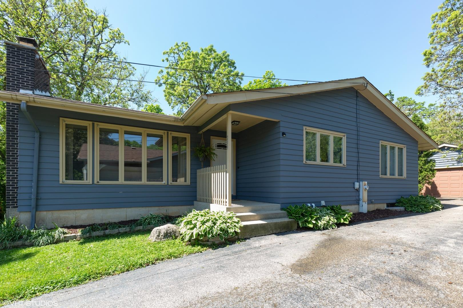 209 INDIAN Trail, Lake in the Hills, IL 60156 - #: 10731272