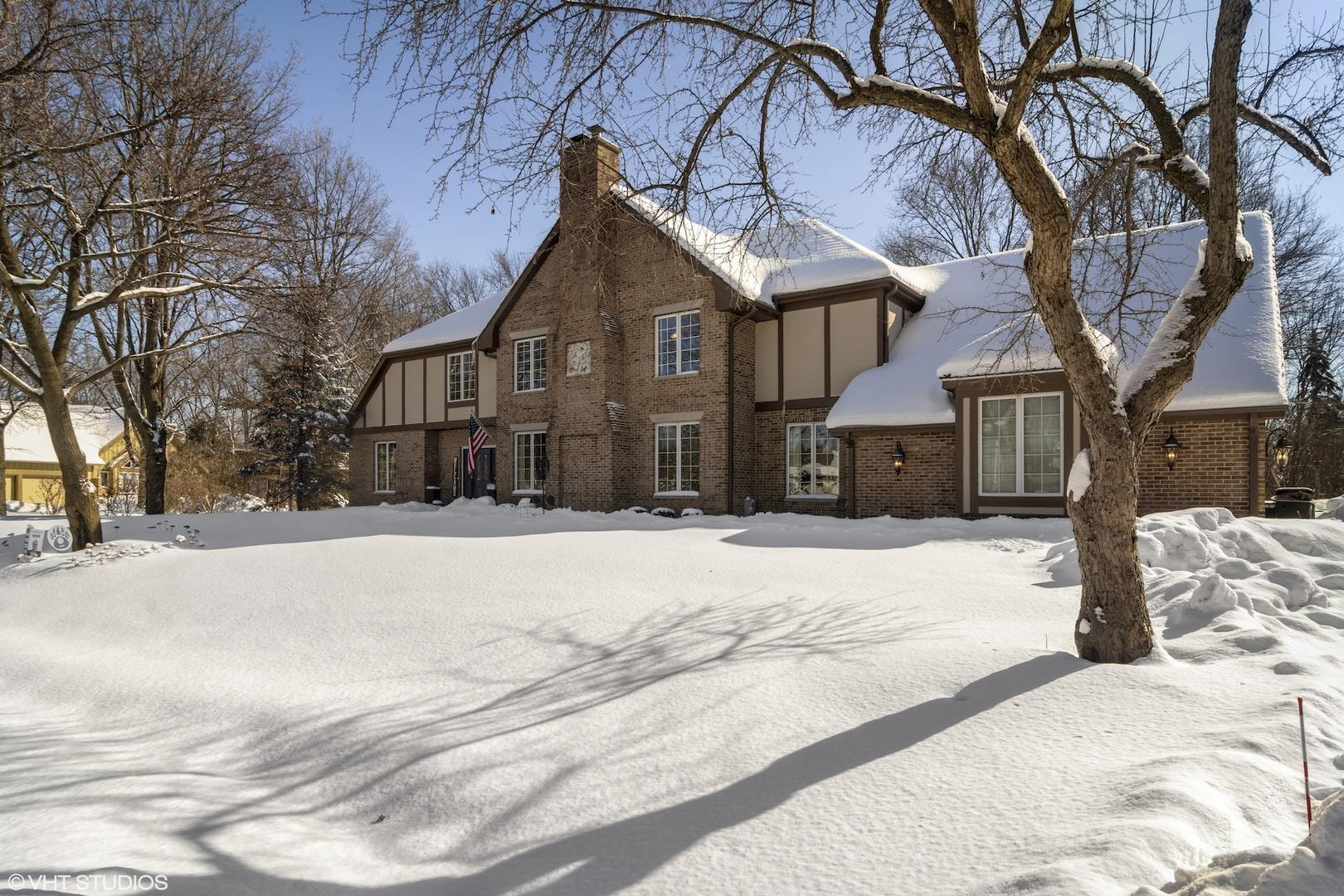 44 Old Lake Road, Hawthorn Woods, IL 60047 - #: 10988272