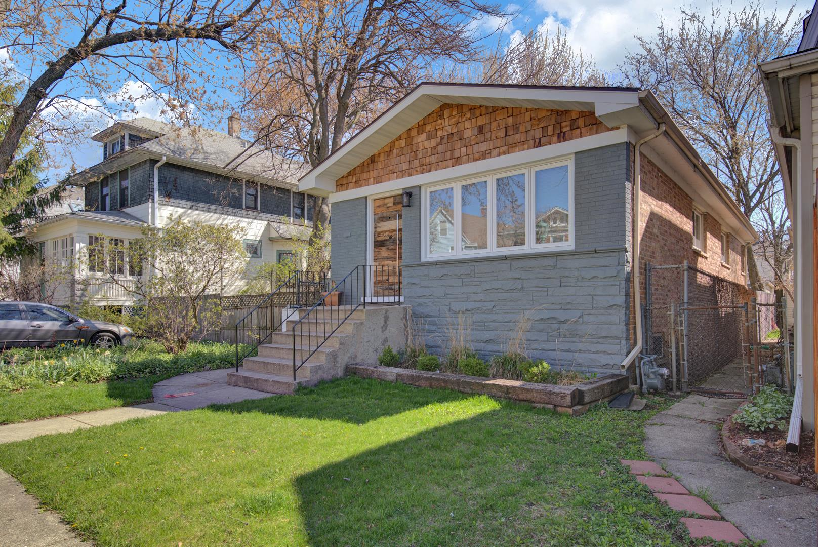 1170 S Humphrey Avenue, Oak Park, IL 60304 - #: 10804273