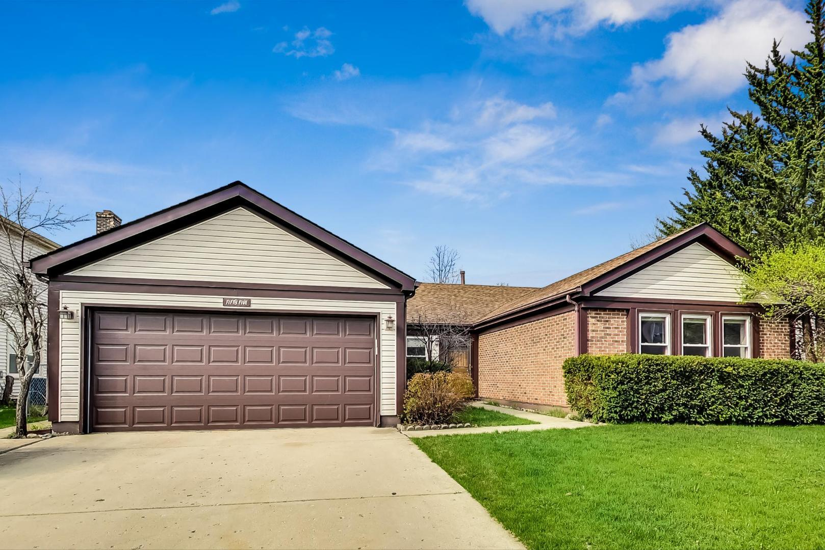 55 Wakefield Lane, Buffalo Grove, IL 60089 - #: 11009288