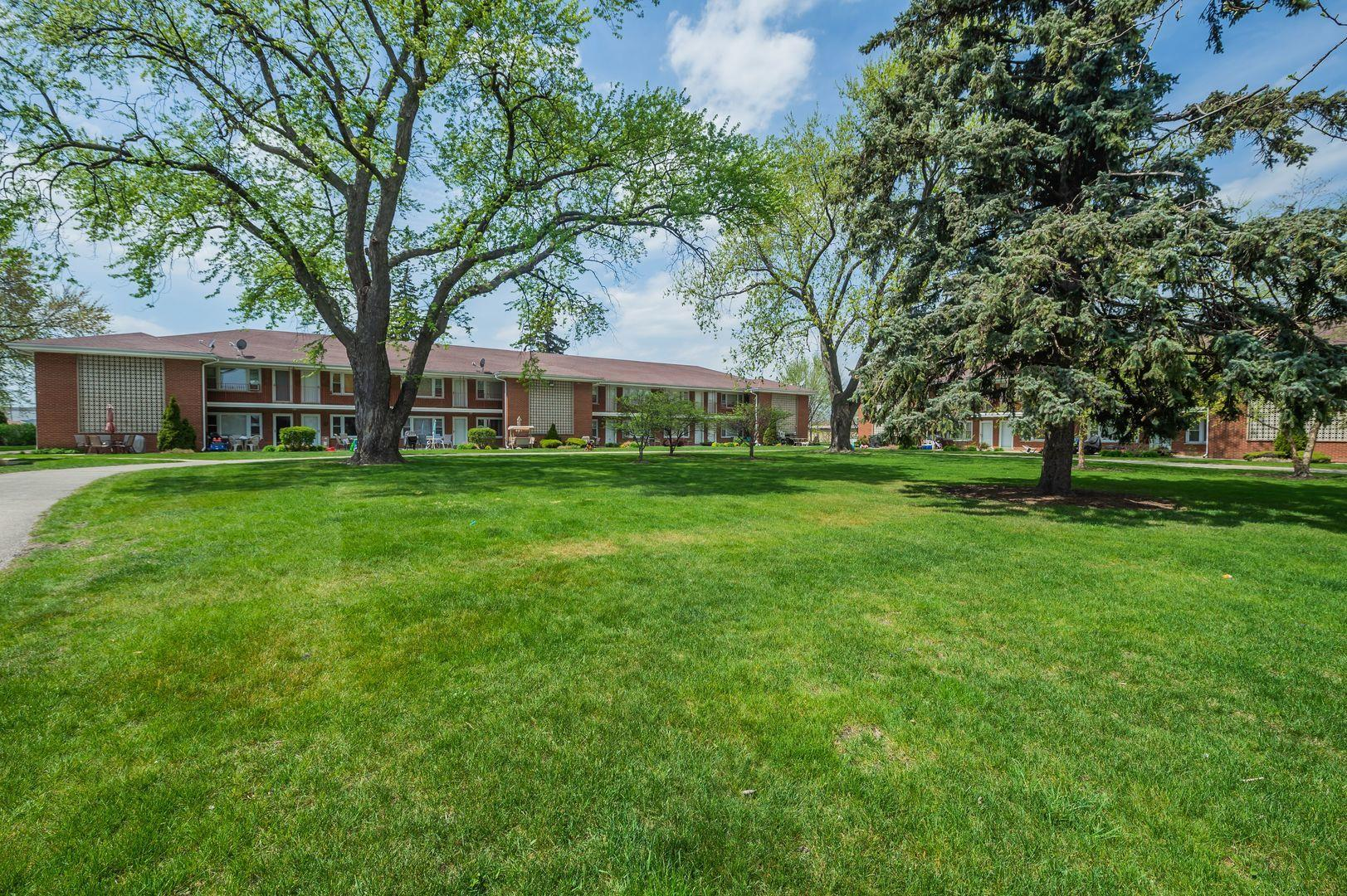 1111 Holiday Lane #17, Des Plaines, IL 60016 - #: 11066290