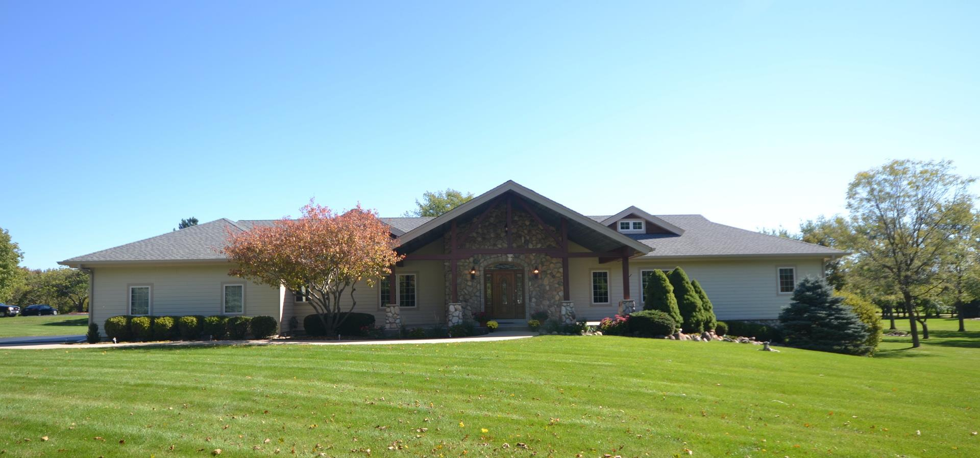2410 Timberline Trail, Woodstock, IL 60098 - #: 10892292