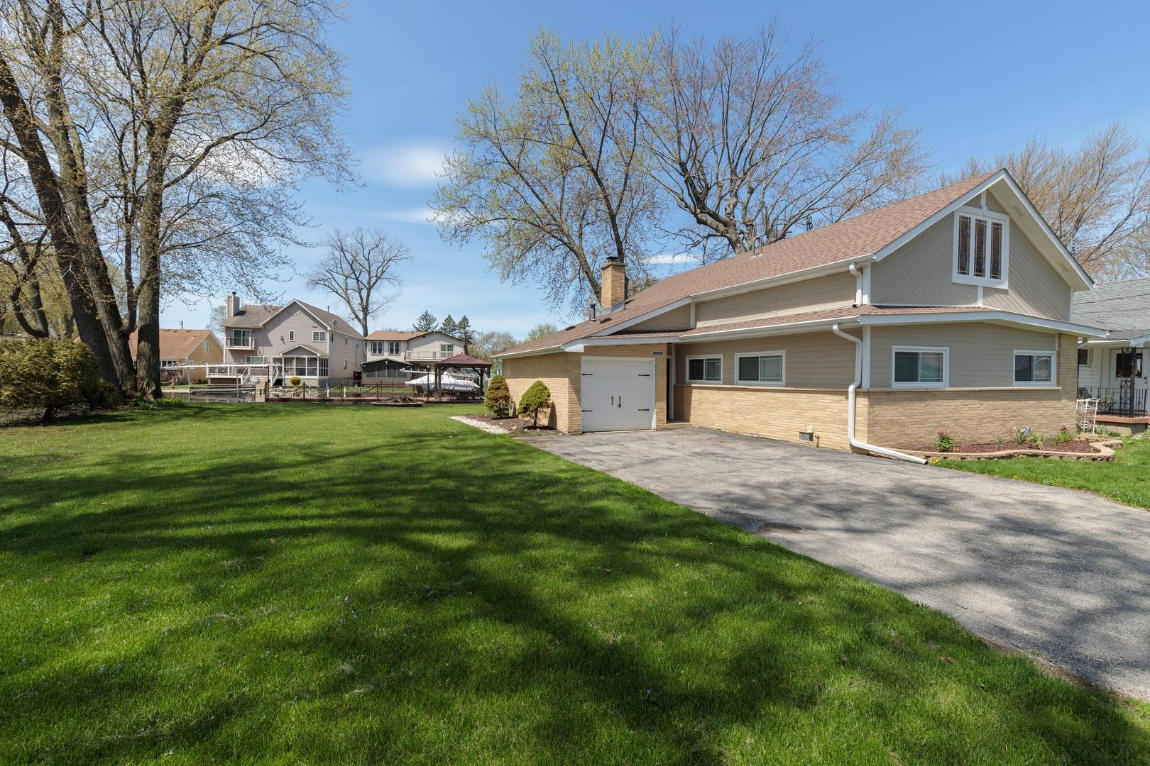 24 Atwater Parkway, Fox Lake, IL 60020 - #: 10673299