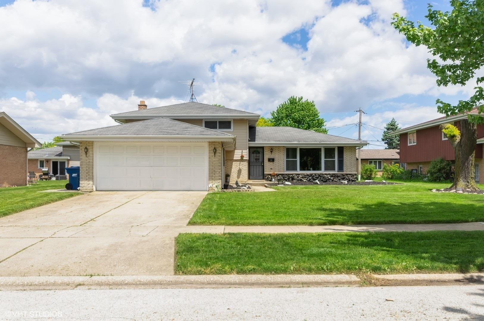 1320 E 169th Place, South Holland, IL 60473 - #: 10728299