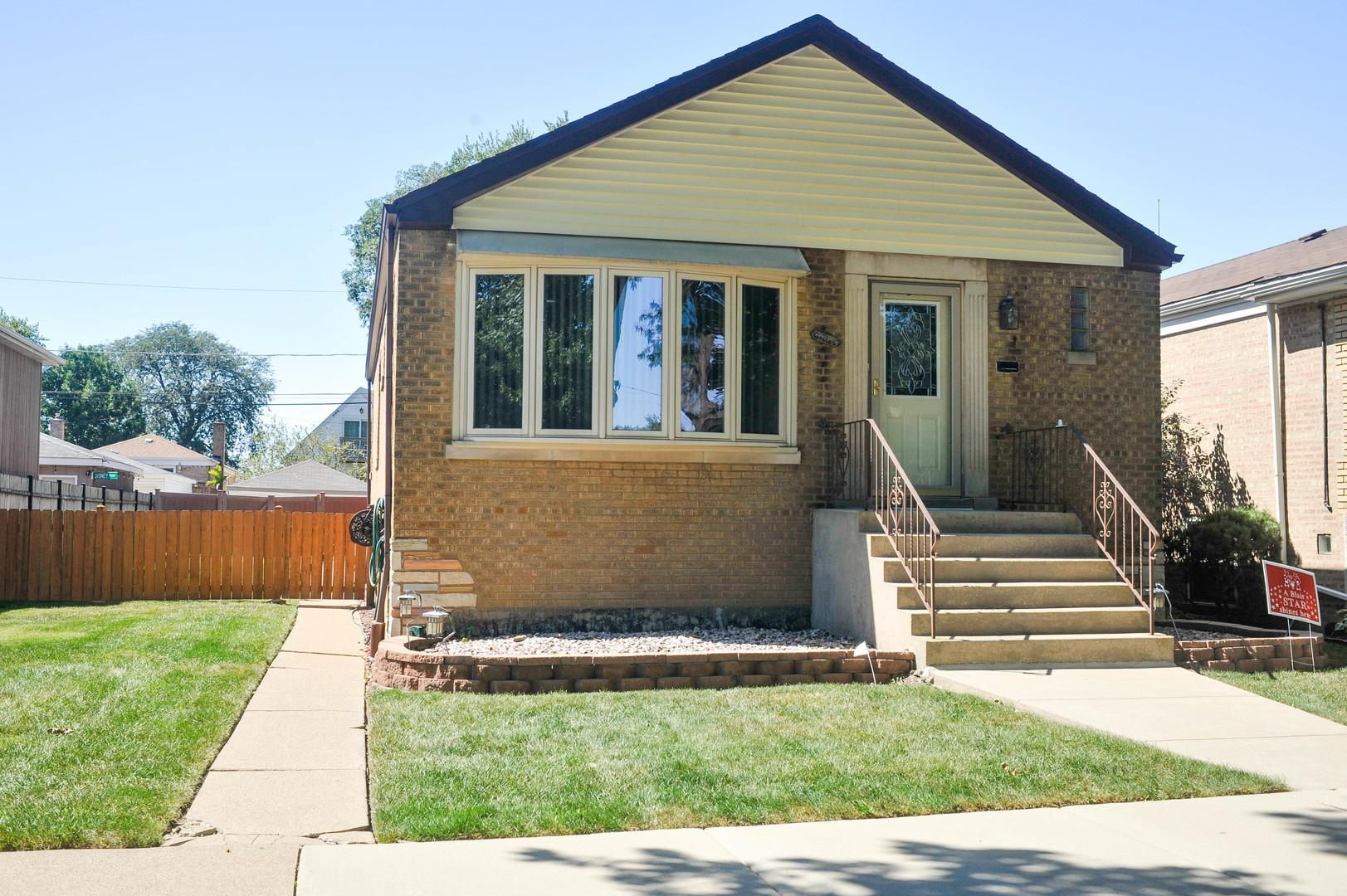 6212 S Neenah Avenue, Chicago, IL 60638 - #: 10851300