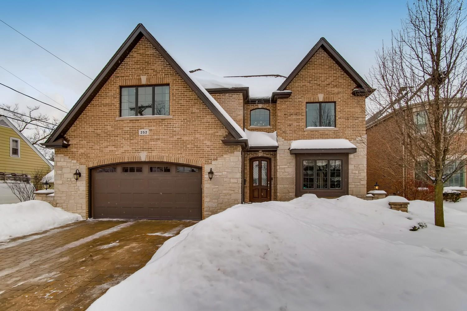 252 W Grantley Avenue, Elmhurst, IL 60126 - #: 11002300