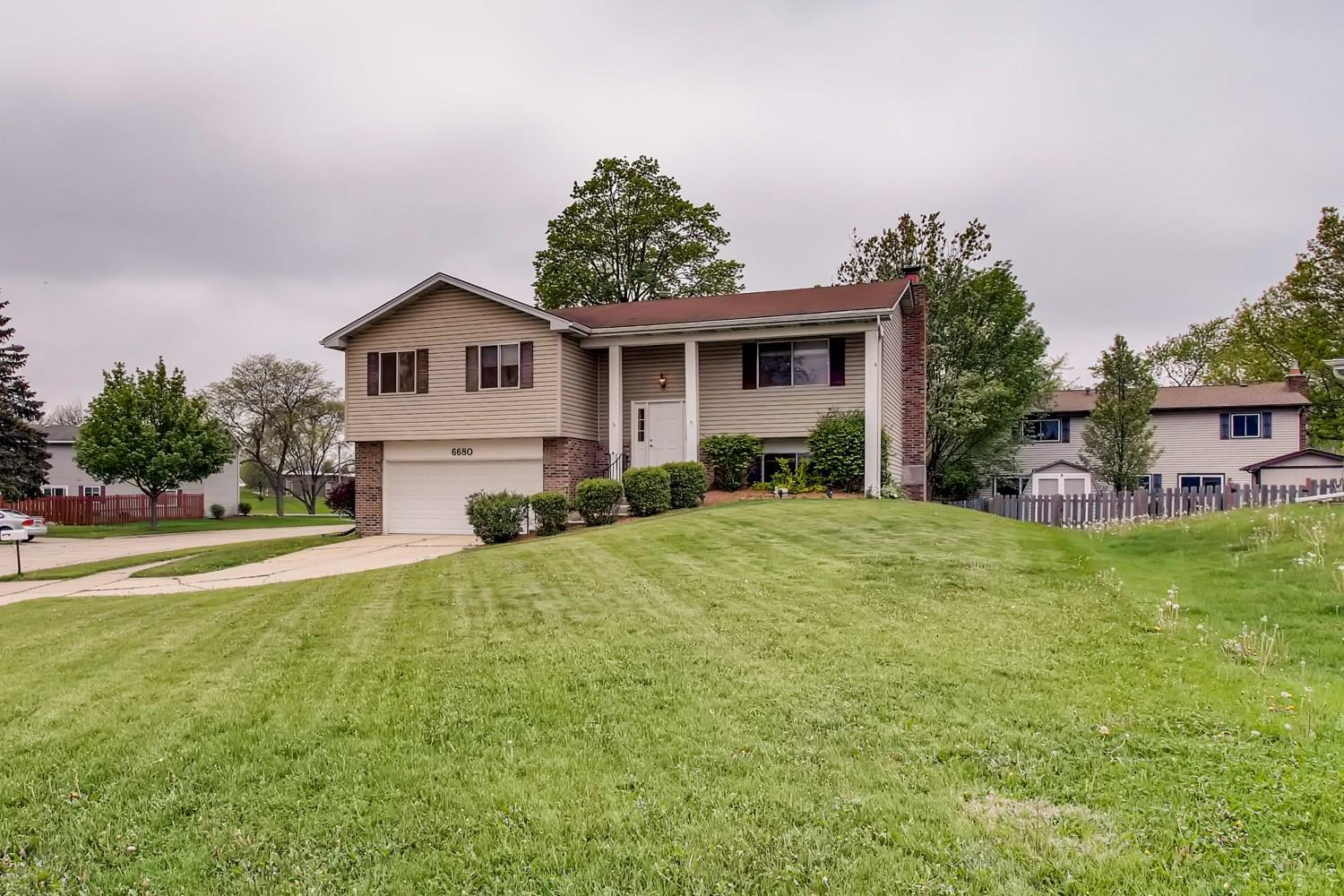 6680 Wheatfield Street, Woodridge, IL 60517 - #: 11077300