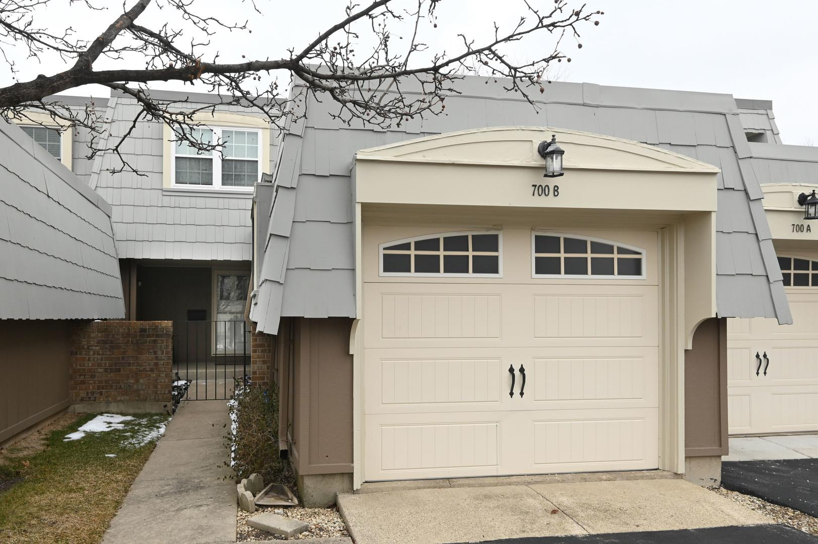 700 BORDEAUX Court #B, Elk Grove Village, IL 60007 - #: 10981303