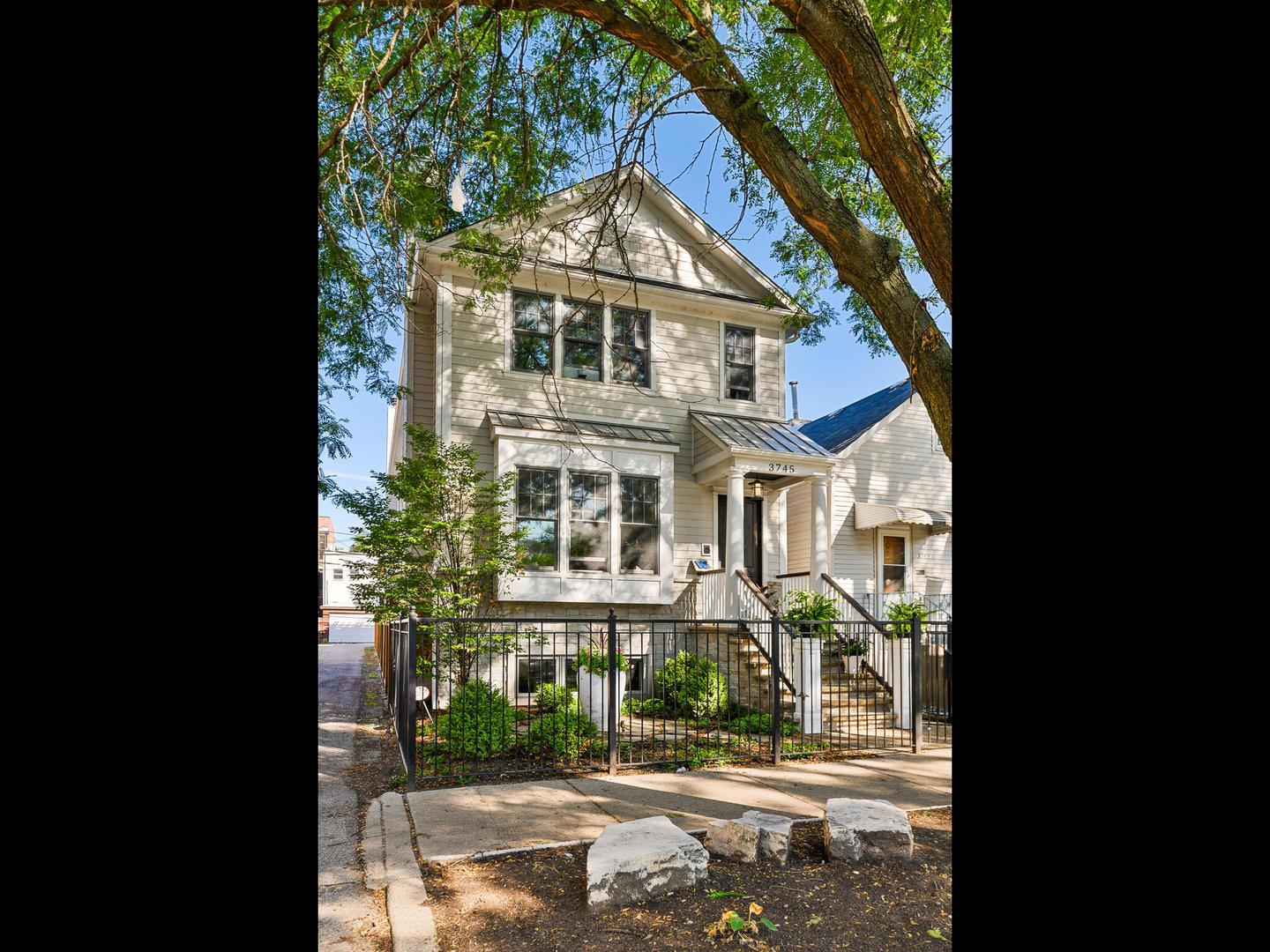3745 N Marshfield Avenue, Chicago, IL 60613 - #: 11001304
