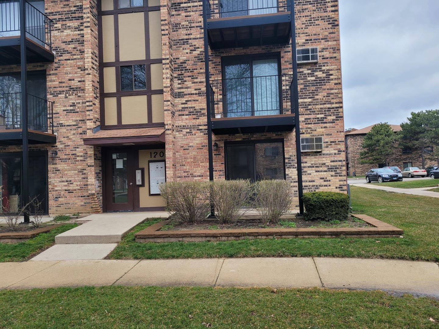 120 KLEIN CREEK Court #2B, Carol Stream, IL 60188 - #: 11064304