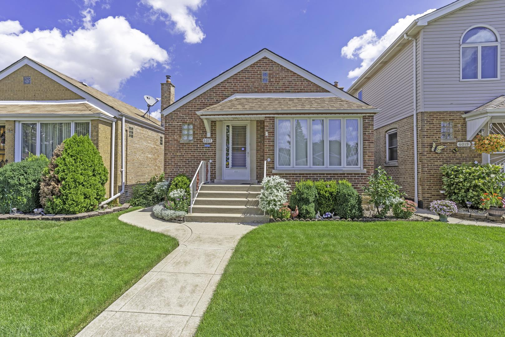 6017 S Mcvicker Avenue, Chicago, IL 60638 - #: 10856313
