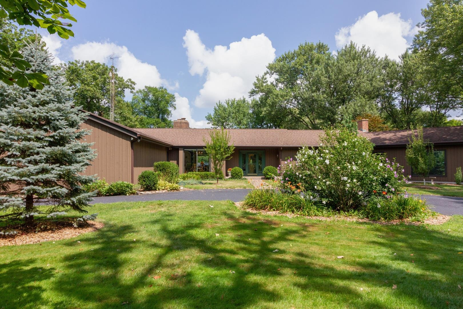 10814 Bull Valley Road, Woodstock, IL 60098 - #: 10436321