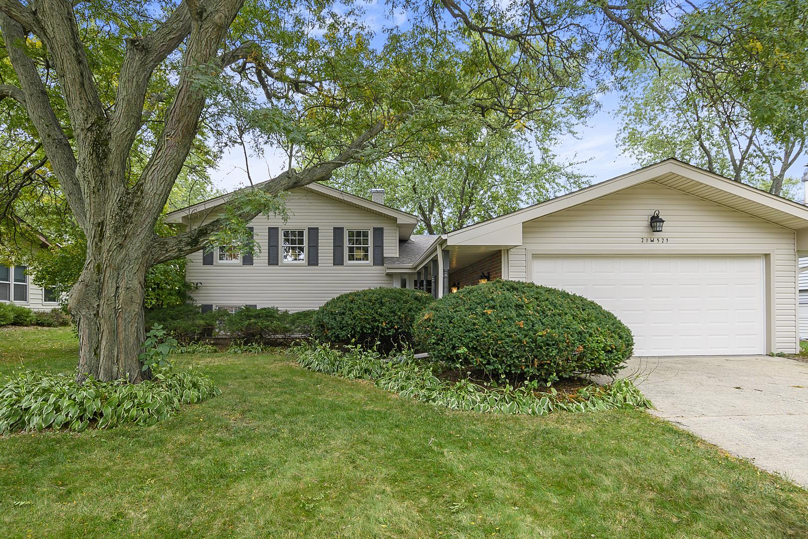 21W523 Monticello Road, Glen Ellyn, IL 60137 - #: 10892326