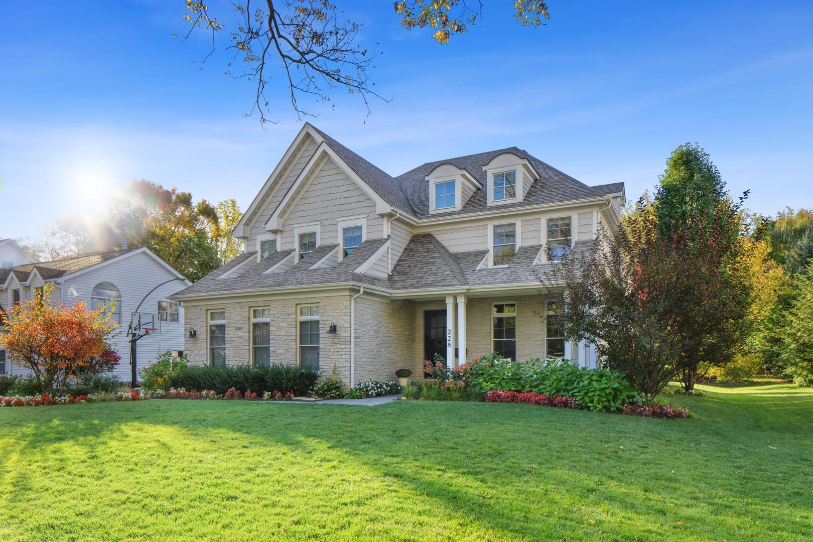 228 Fuller Road, Hinsdale, IL 60521 - #: 10999327