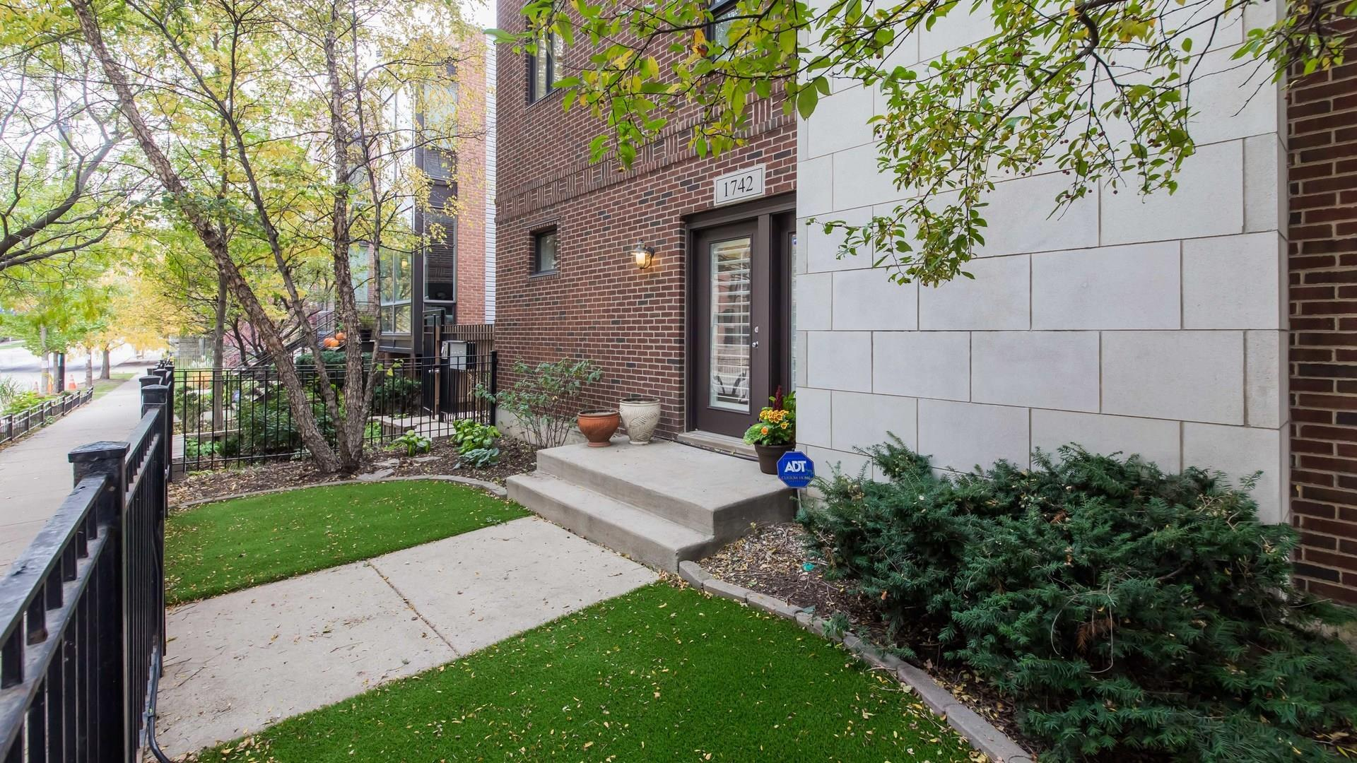 1742 W Diversey Parkway #1, Chicago, IL 60614 - #: 10684335