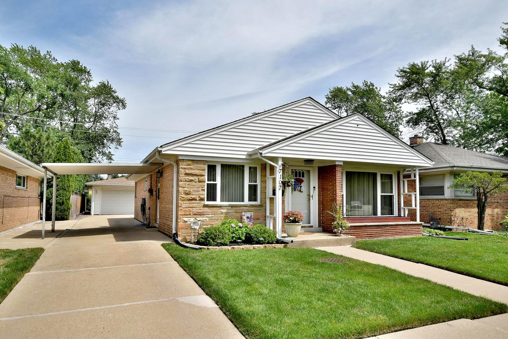 7107 N Nagle Avenue, Chicago, IL 60646 - #: 10783339
