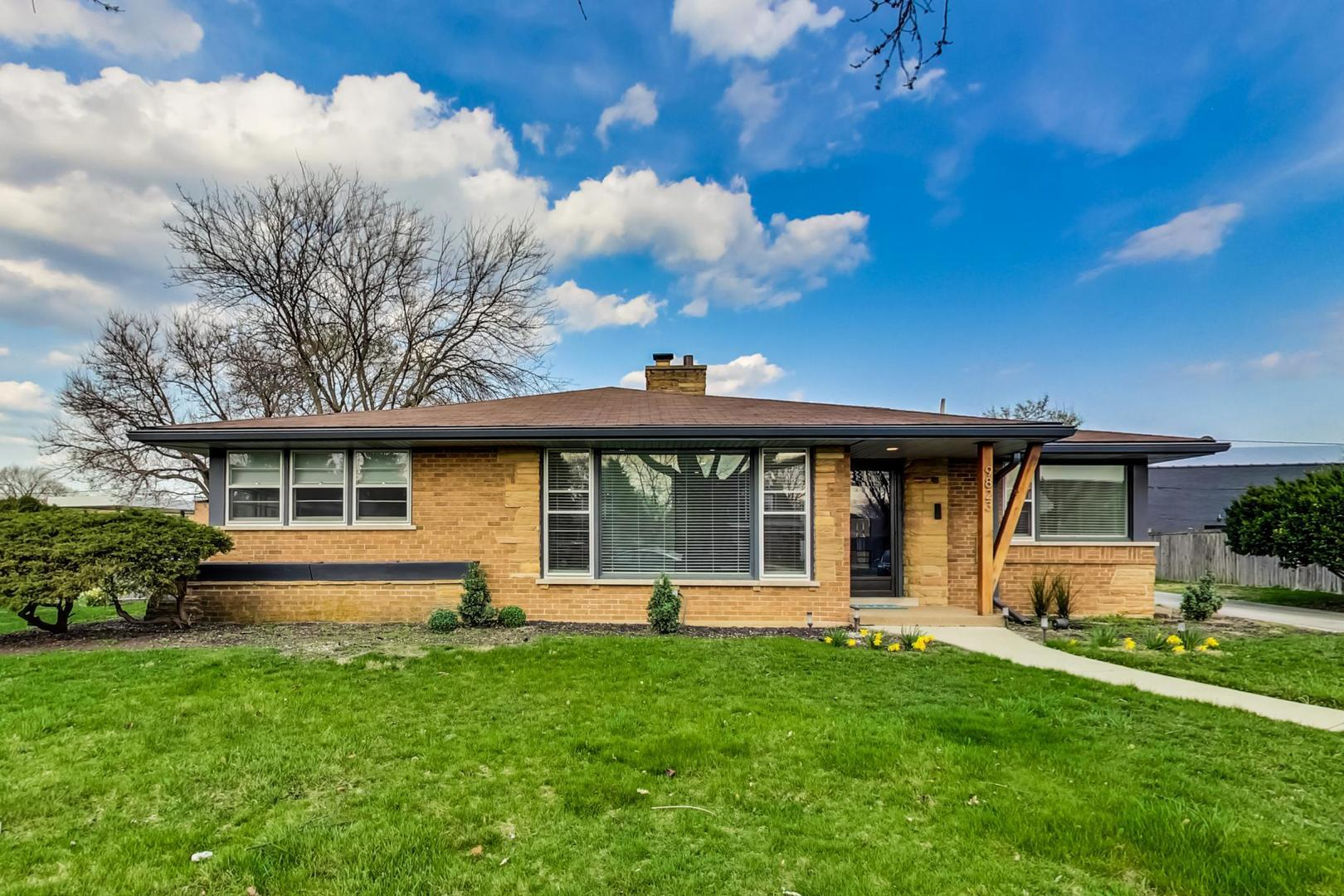 9823 S Sawyer Avenue, Evergreen Park, IL 60805 - #: 11050340