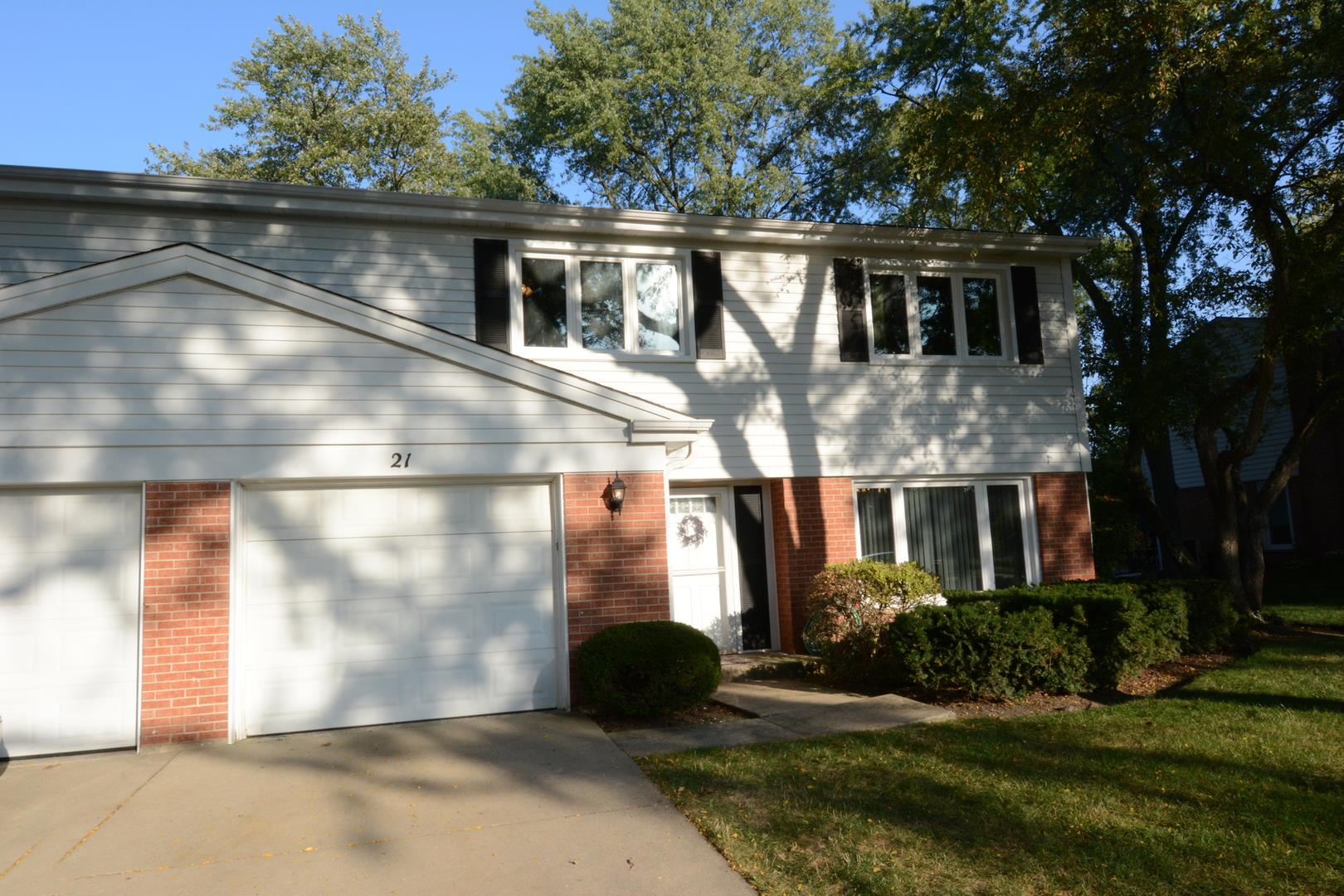 21 N Regency Drive W, Arlington Heights, IL 60004 - #: 10883346