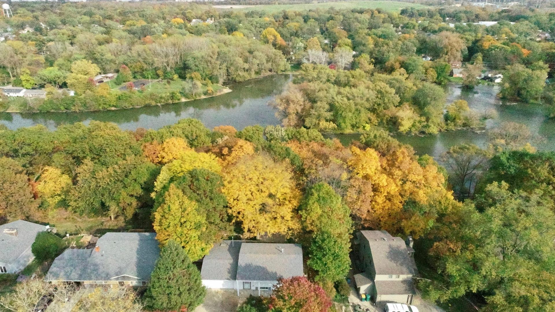 7N923 Woodcliff Drive, South Elgin, IL 60177 - #: 10902346