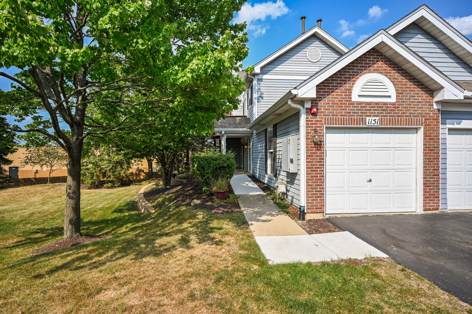 1151 Bristol Court, Glendale Heights, IL 60139 - #: 10892347
