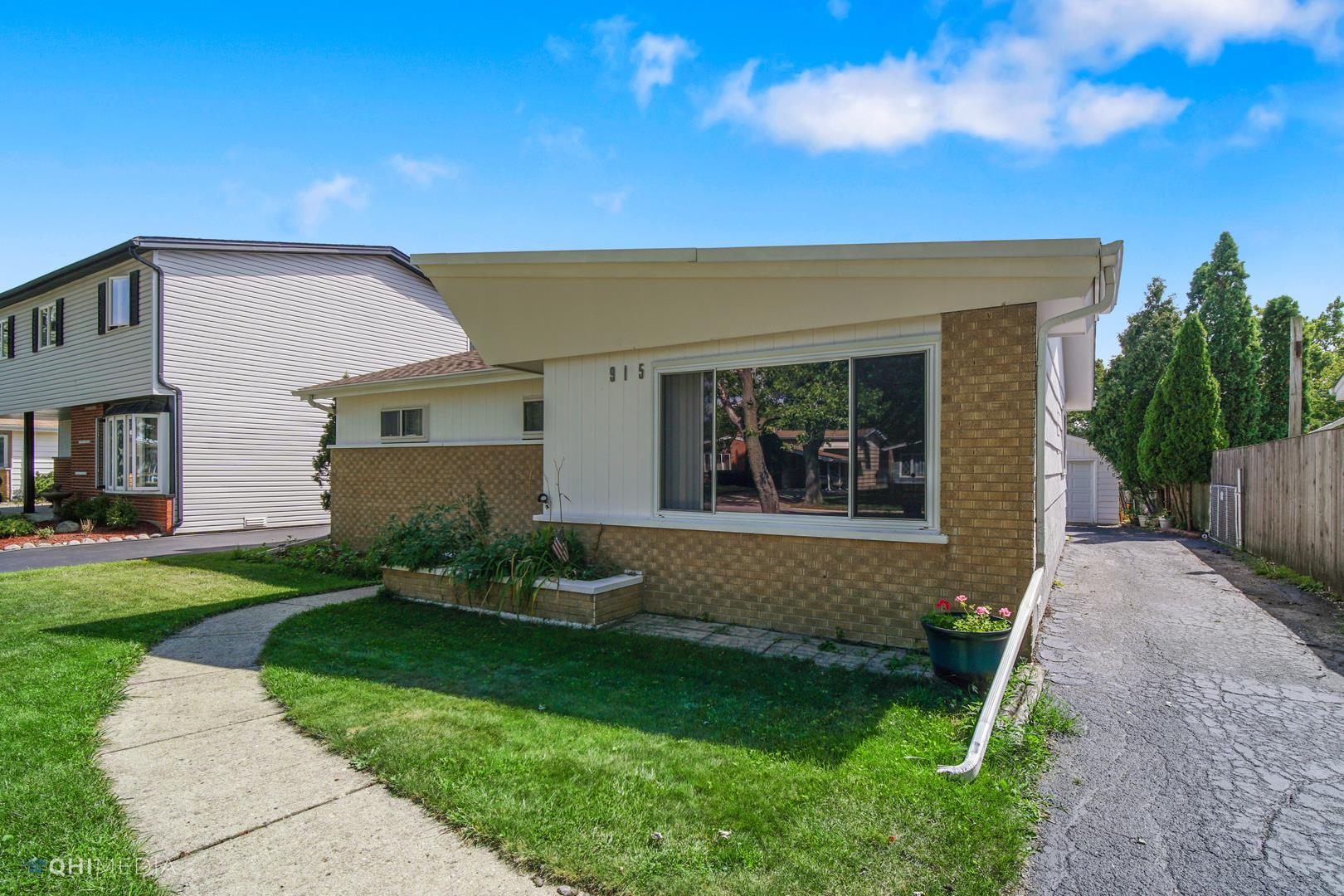 915 N Pleasant Drive, Addison, IL 60101 - #: 10805348
