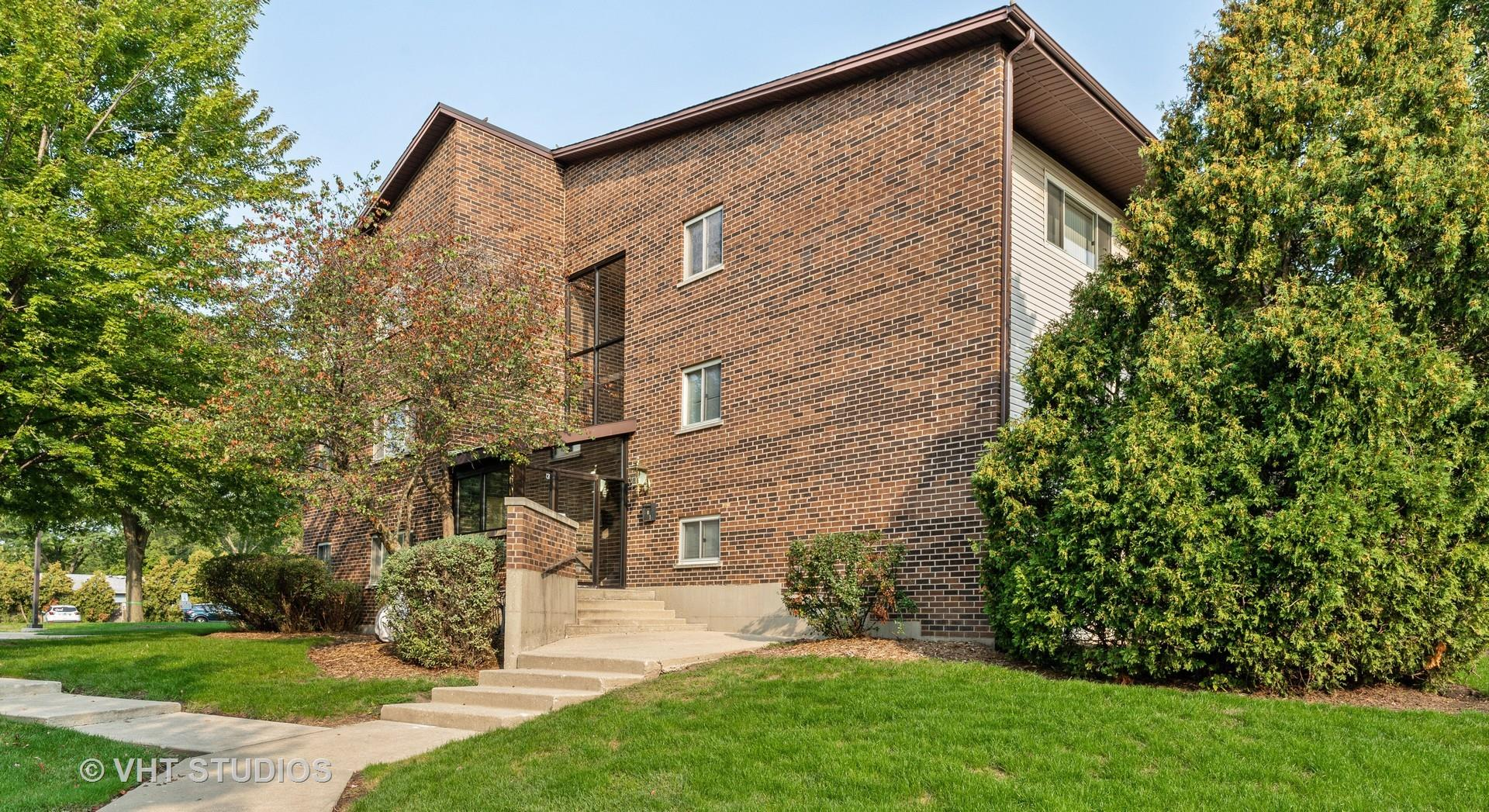 660 PERRIE Drive #304, Elk Grove Village, IL 60007 - #: 10862351