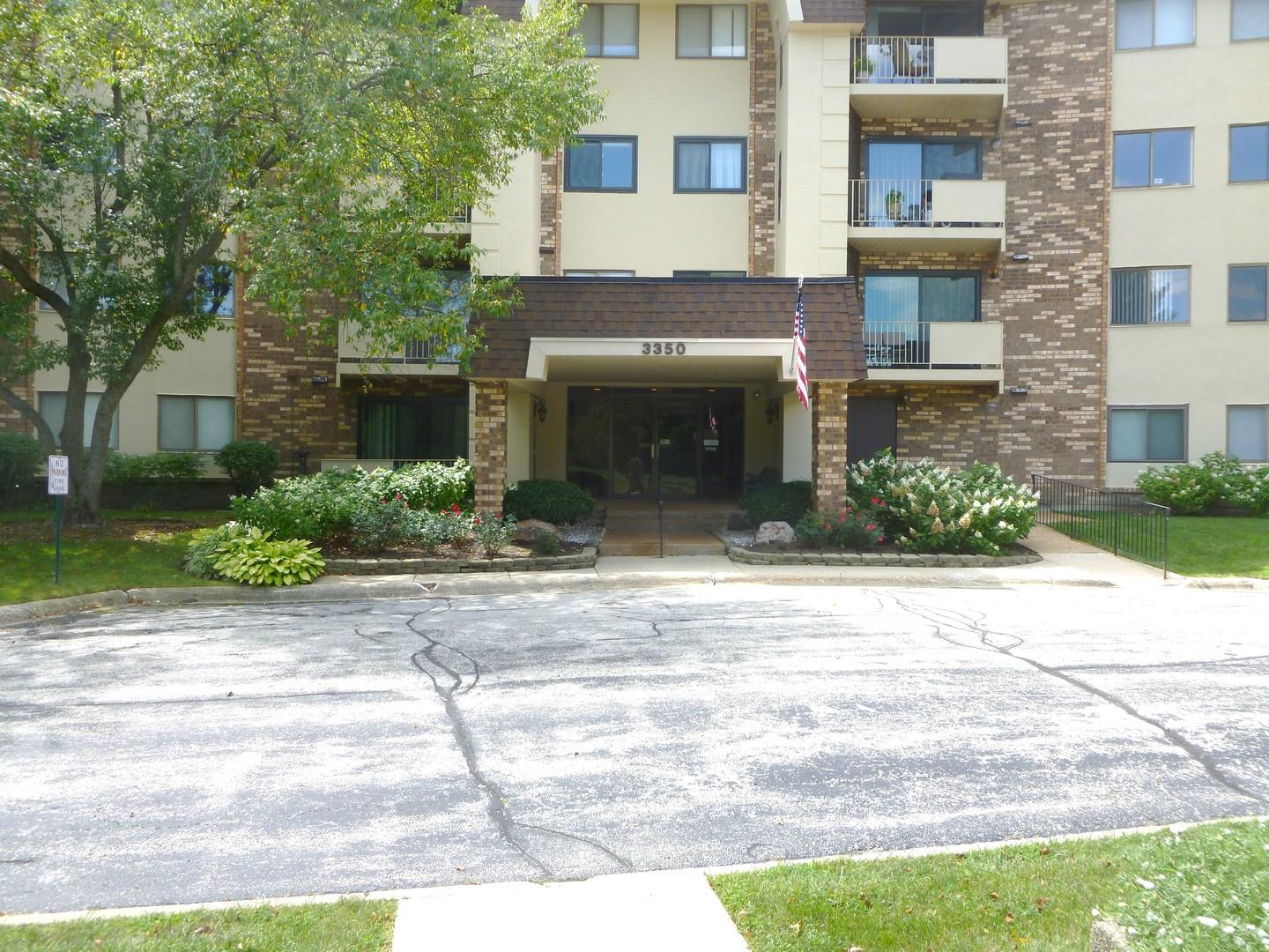 3350 N CARRIAGEWAY Drive #112, Arlington Heights, IL 60004 - #: 10821357