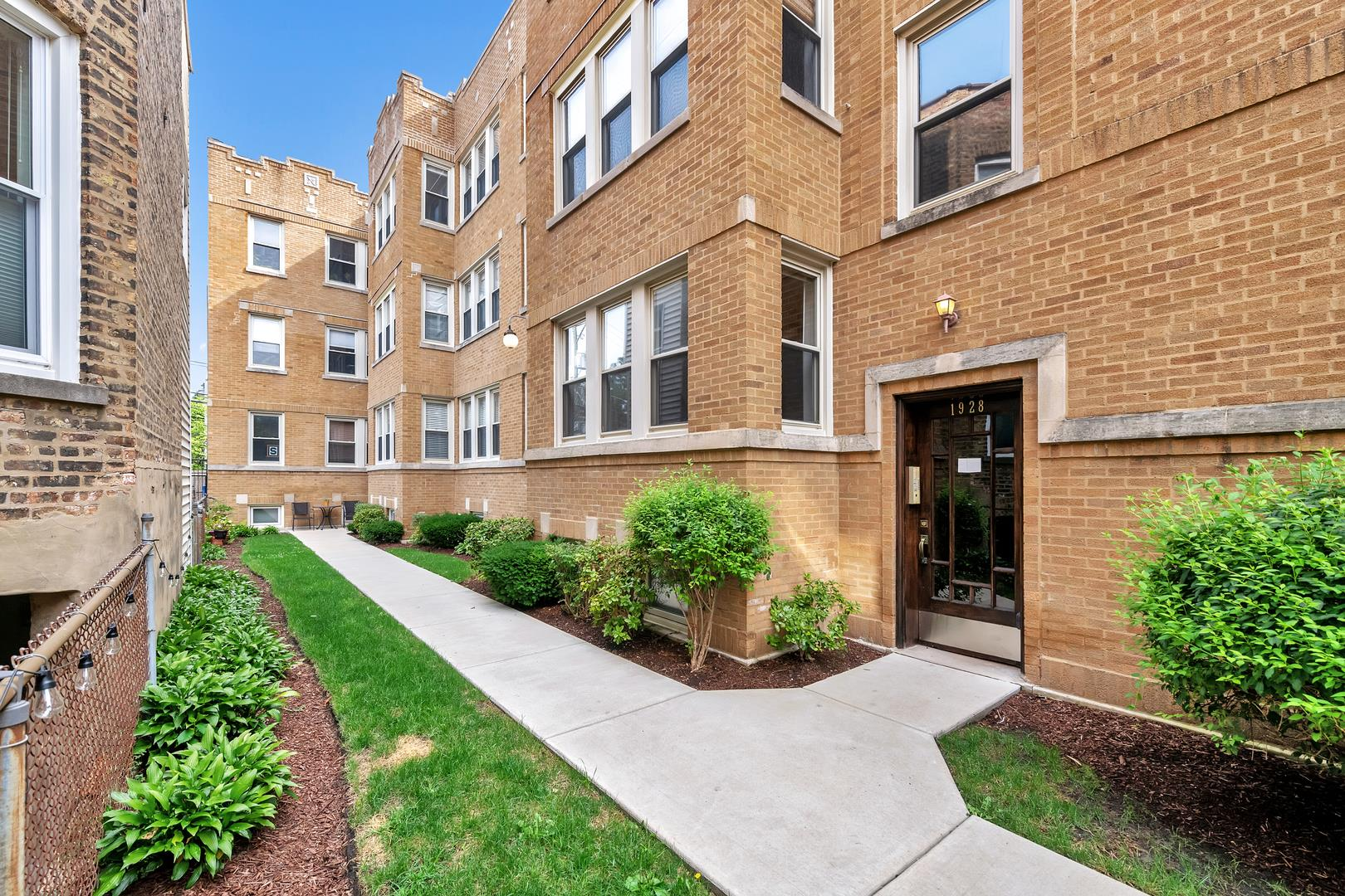 1928 W Addison Street #1N, Chicago, IL 60613 - #: 10906357